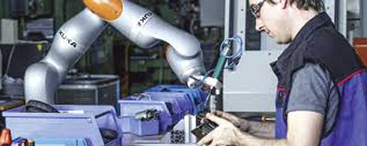 KUKA robot supports material supply | Smart SMT Factory Forum